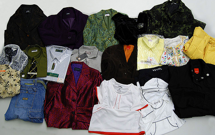 Brand clothing second hand mix partially with labels