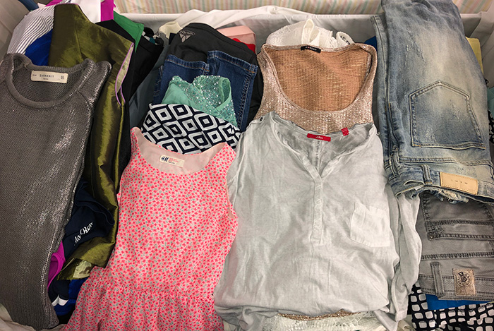 We offer second hand Extra clothing of the highest quality